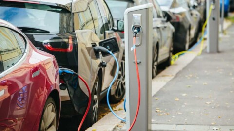 Accelerating the uptake of smart chargers for electric vehicles